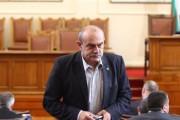 Шопов от Атака отказа да си сложи маска в парламента. Валери Симеонов бесен се опитва да го изгони, но неуспешно.