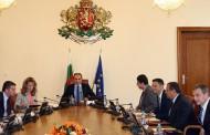 Защо се срещате в Министерски съвет, господин Сидеров? Има хубави картини