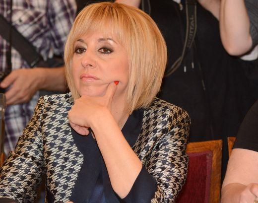 Вътрешната опозиция в БСП крои разцепване на БСП с помощта на Мая Манолова