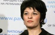 Десислава Атанасова се закани от магистралата: Три часа от Благоевград до София.  АПИ, кой почиства тази магистрала? Имена?