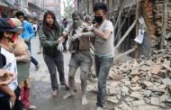 Властите в Непал съобщават до момента за повече от 1450 загинали след земетресението