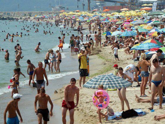 Какви болести може да предизвика мръсният плаж?