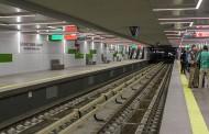 Поредно спиране на метрото в София. Дете слезе на релсите, за да си вземе зарче.