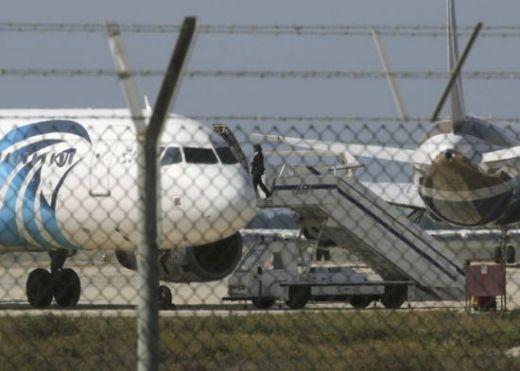 Два самолета са се сблъскали над Татарския проток. Спасителната акция продължава.
