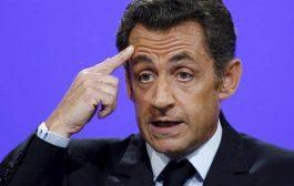 Саркози вече е осъден да лежи ефективно във френски затвор. А в България всички са чисти като сълза..!