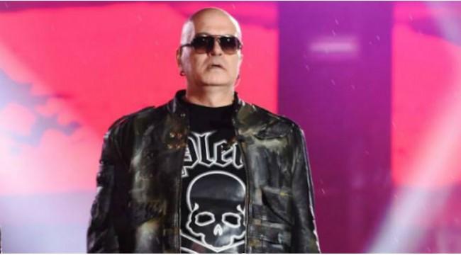 Слави Трифонов се изповяда във Фейсбук: Аз съм златна пеперуда в розова мъгла! Ето ги страшните риби… (СНИМКА