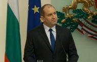 Президентът Радев става непоклатим.