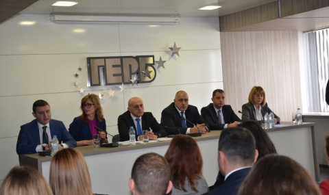ГЕРБ ще си фалшифицират изборите според Корнелия Нинова.