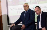 """Защо премиерът Борисов продължава да """"покрива"""" този министър?"""