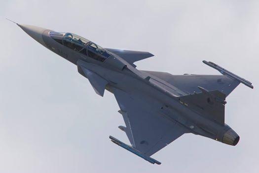 """От """"Грипен"""" са готови за разговори след решение на МС за преговори за F 16."""