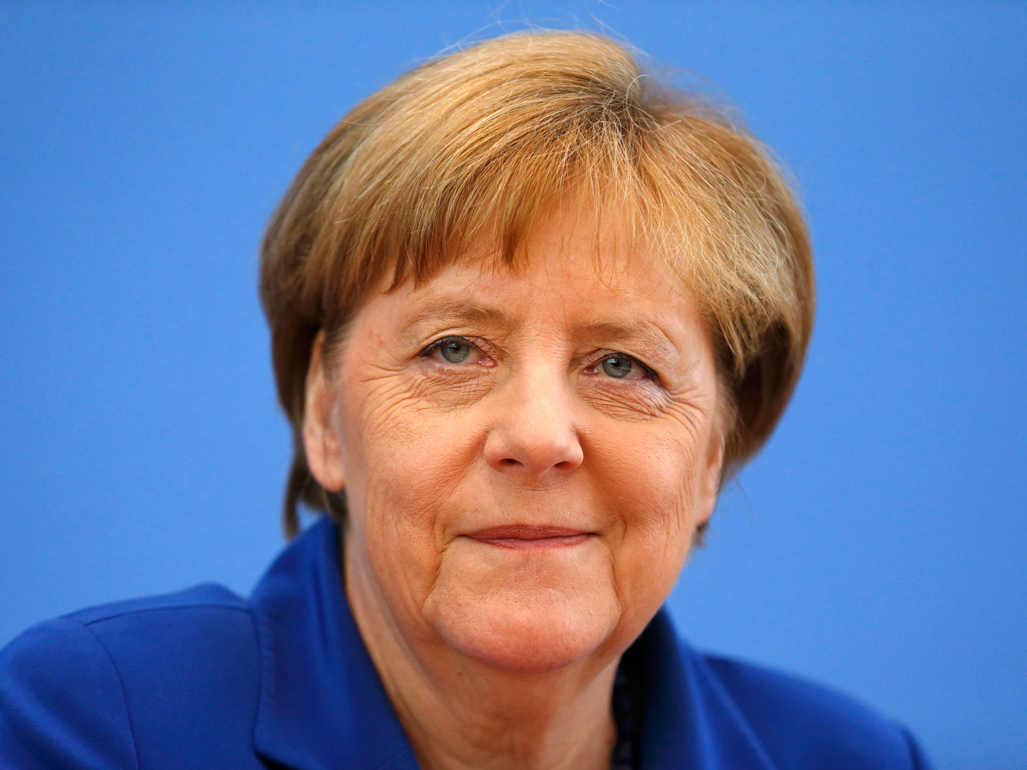 И Меркел най – после разбра важността на интернет пространството