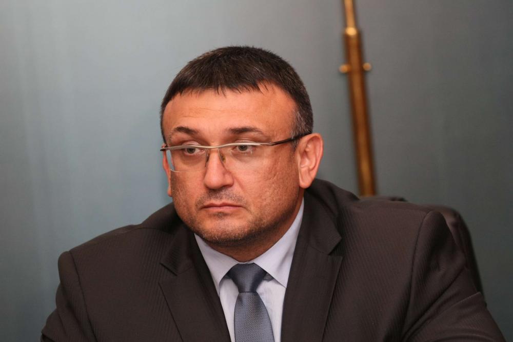 Вътрешният министър Младен Маринов: Ще хванем Арабаджиеви, ама друг път!