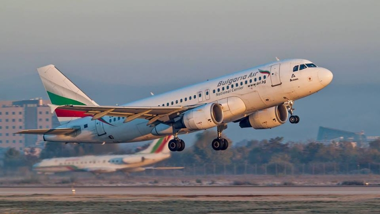 Евакуация на български самолет заради пиян пътник