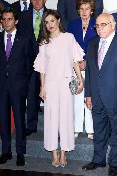 Стилът на чаровната кралица Летисия