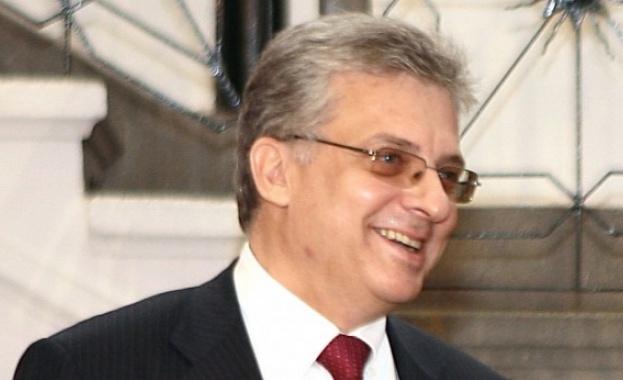 ЕБВР: Правителството може да оттегли своя представител Калин Митрев от институцията