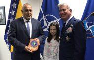 US генерал приветства на български Борисов в Сараево