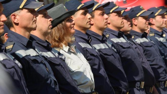 Пожарникарите излизат на протест на празника си