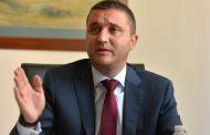 Горанов отвори торбата с обещанията