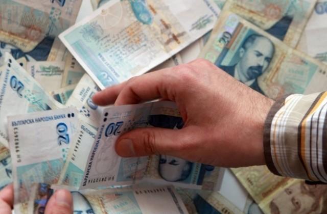 Внимание – нов вид измама: младежи пред търговски центрове просят пари за погребения!