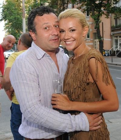 Рачков, изтърва Мария! Красавицата завъртя главата на холивудски актьор, който идва у нас да я вземе(снимки)