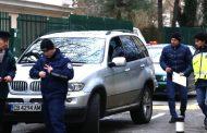 Стрелба в центъра на София! 2 куршума по мъж в джип БМВ!