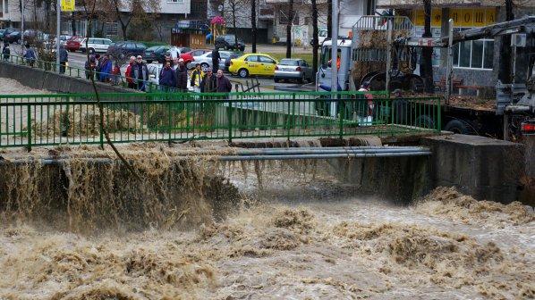 Остава бедствено положение  на територията на Смолянска община (СНИМКИ)