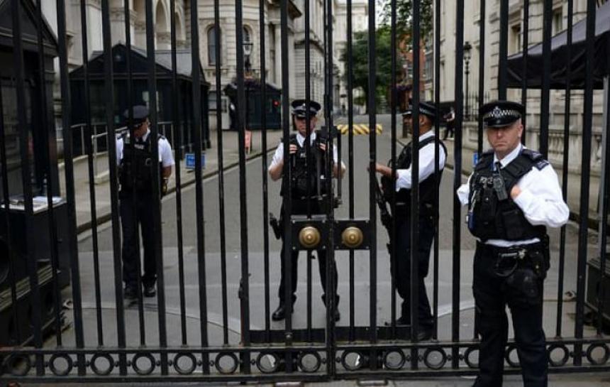 MI5: заловихме терористи, които бяха подготвили атентат срещу Тереза Мей!
