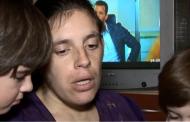 ГАВРА! ЧСИ запорира сметките на самотна българска майка с три деца! Целият им доход е 200 лева…