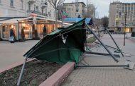 Вятър и снегонавявания блокираха страната, Банско затвори!