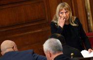 Делян Добрев с грозни закани към Елена Йончева заради въпроси за бизнеса на родителите му
