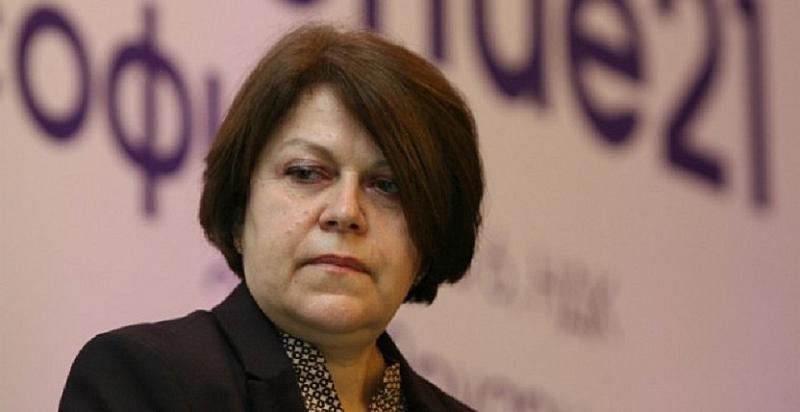 Дончева: Спре ли се сделката за ЧЕЗ, ще има скандал между Пеевски, Борисов и Доган