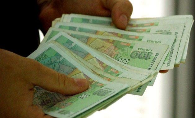 Икономист разкри докога ще работим за жълти стотинки! Ще стигнем ли скоро европейските заплати?