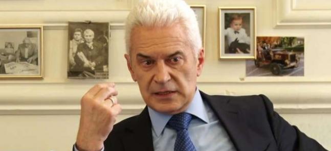 Волен Сидеров: Държавният глава търси под вола теле