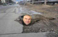 Марешки ще пълни дупки във Варна. Народът пита дали няма да почне и крушки да сменя