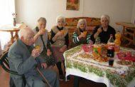 България е старчески дом, издържан от българите в чужбина.