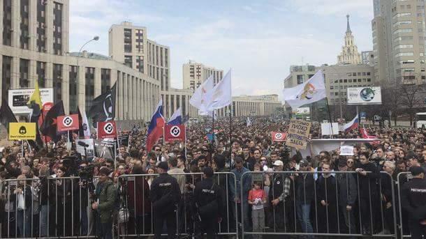 Интернетът в Русия: КОНФЛИКТЪТ С ВЛАСТИТЕ ЕСКАЛИРА