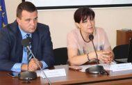 """Караянчева издига """"касиера"""" си за кмет на Кърджали, когато командва с поглед"""