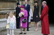 Кралица Елизабет II облече лилаво за църковната служба за Великден