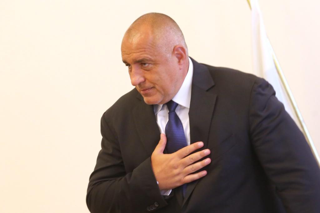 Бойко Борисов се сниши. Не поздравява Заев и се мазни на Путин.