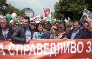Днес българските политици излязоха от комфортните си хралупи и застанаха лице в лице срещу народа. Но той неще блудкави приказки, а решения!