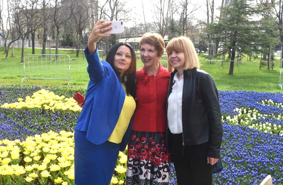 Нейно превъзходителство Лиляна Павлова е твърдевероятно да заеме мястото на Фандъкова