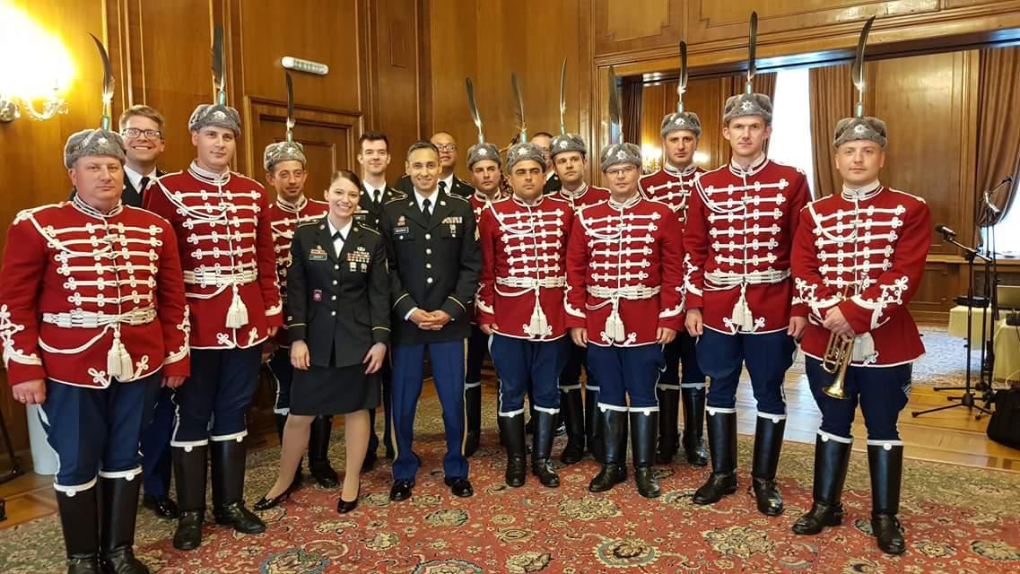 Парадът по случай националния празник на България 6- май, мина под знака на срама!