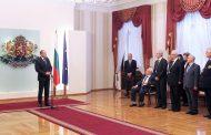 """Президентът Румен Радев връчи на посланика на Република Корея Шин Бунам орден """"Стара планина"""" – първа степен"""