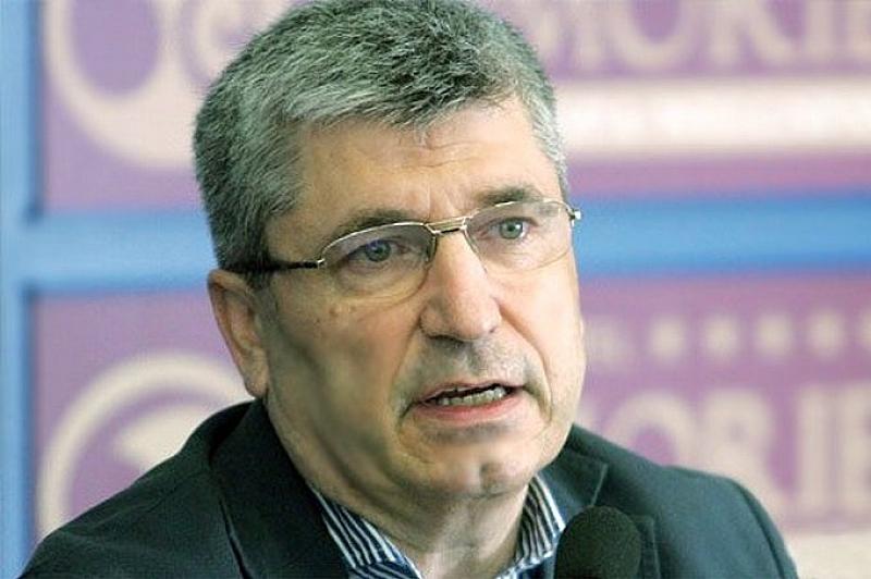 Илиян Василев: Как да няма опростачване, като темите по медиите – са повърхностни, манипулативни и анестизиращи