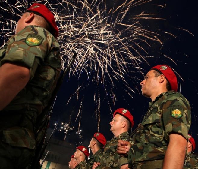 Денят на Ботев ще бъде отбелязан в цялата страна с участието на представителни военни подразделения