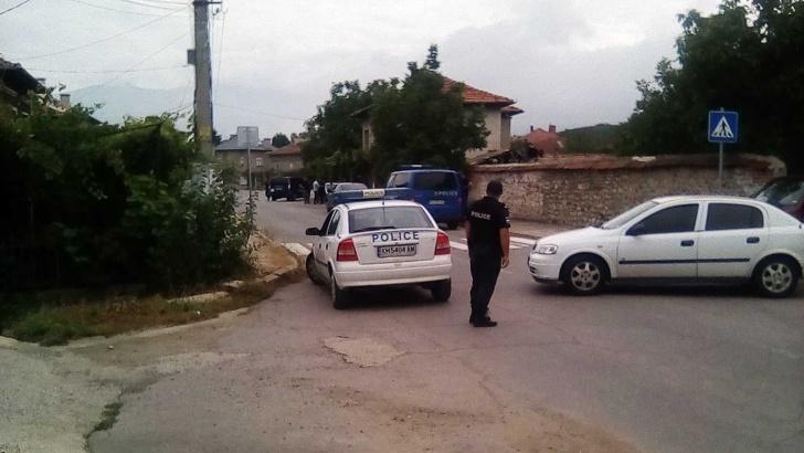 Пълна блокада на благоевградско село в търсене на убиец