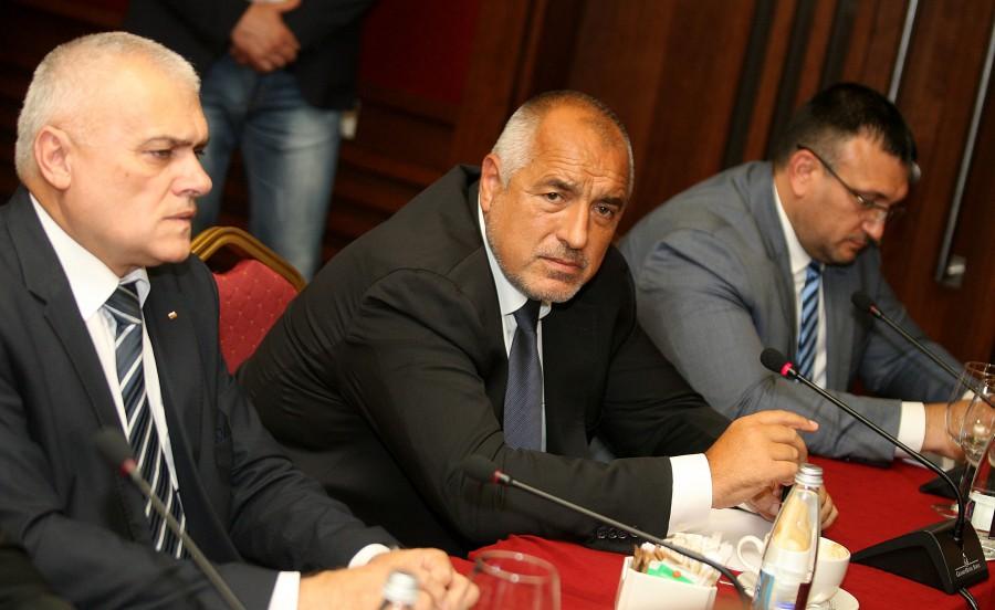 """Като ще говорим за охранителни фирми, да се съсредоточим върху """"Ипон"""" на Борисов"""