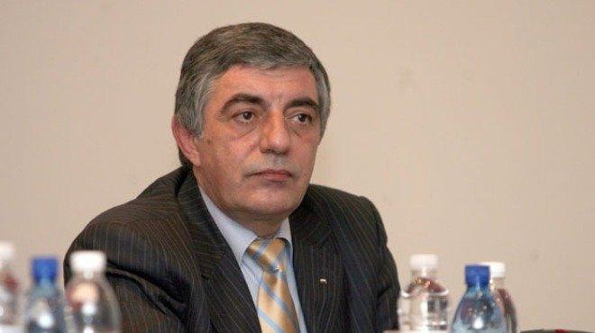Бившият вътрешен министър Румен Андреев се е гръмнал в главата няколко пъти