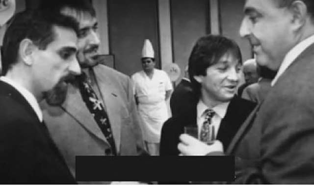 Холандецът към Борисов: Снимките, на които сте с босове от СИК, престъпление ли са?