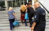 Иванчева отива в болница, окована като СЕРИЕН УБИЕЦ! (ВИДЕО)